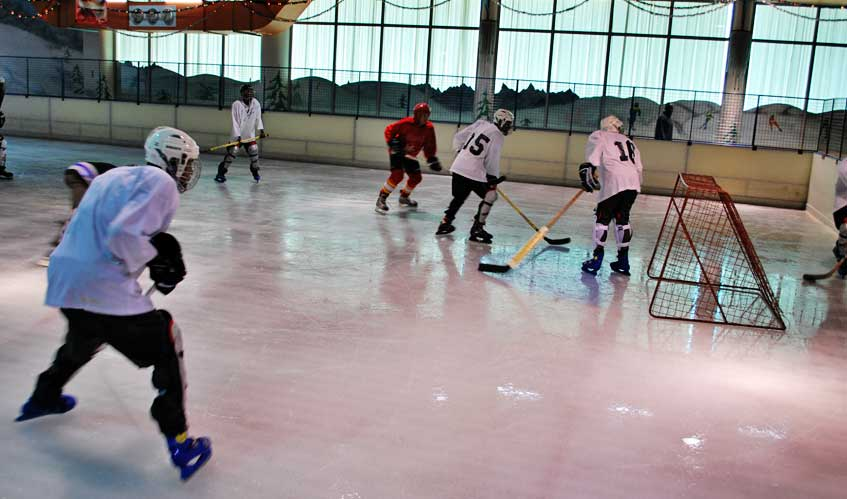 http://www.nairobikenya.com/images/entertainment/solar-ice-rink-1.jpg